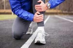 what is shin splints? what causes shin splints , what are the symptoms of shin splints and what is the treatment for shin splints